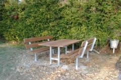 Tischgruppe feuerverzinkt mit Bangkiraiholz - eine Investition fürs Leben